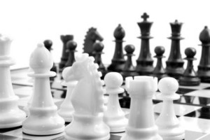 150848-425x283-Black-and-white-chess-set